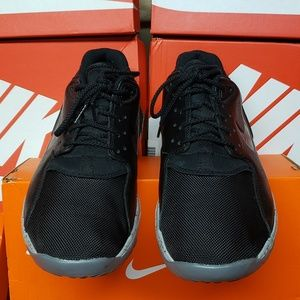 Nike Leather Trainer - Black